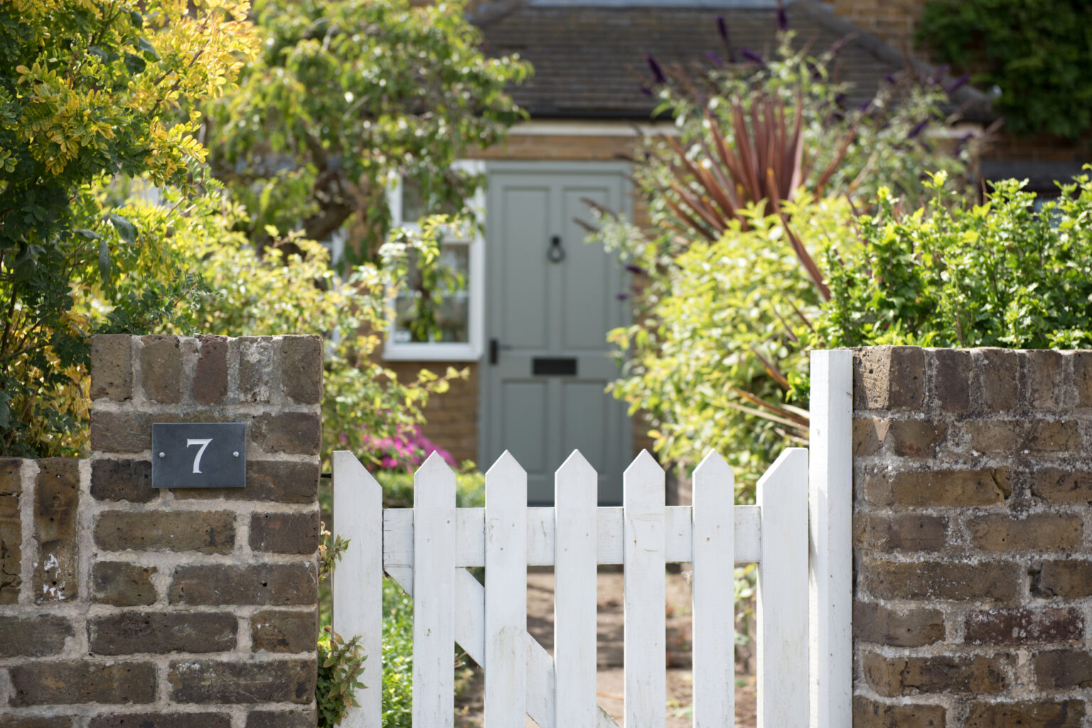 12 Cheap Fence Ideas That Will Save You Money   MYMOVE