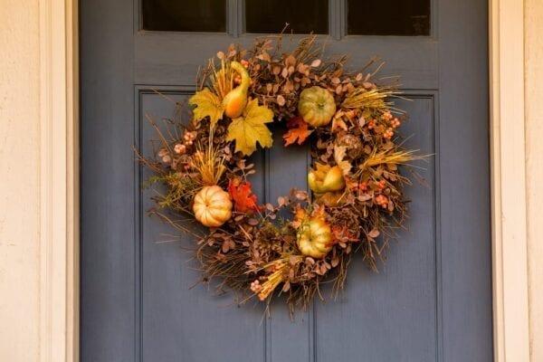 Create an autumn wreath during COVID-19.